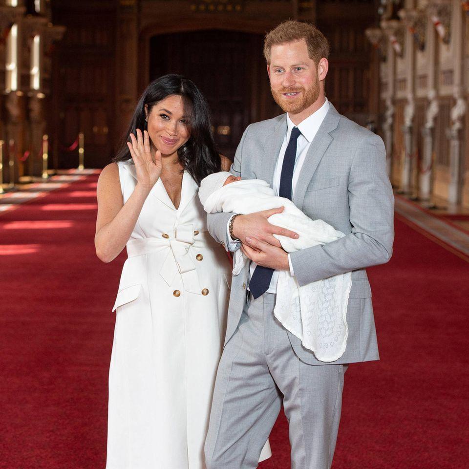 Herzogin Meghan + Prinz Harry: Wilde Theorien zum Namen ihres Babys Archie Mountbatten-Windsor