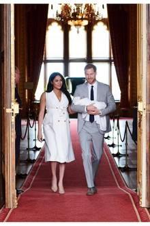 Auch auf ihrem offiziellen Instagram-Account posten Herzogin Meghan und Prinz Harry erste Bilder von ihrem Nachwuchs.