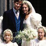 1988 ist die kleine Gabriella (vorn links) zusammen mit Alexandra Wilson Blumenmädchen bei der Hochzeit von James Ogilvy und Julia Rawlinson.