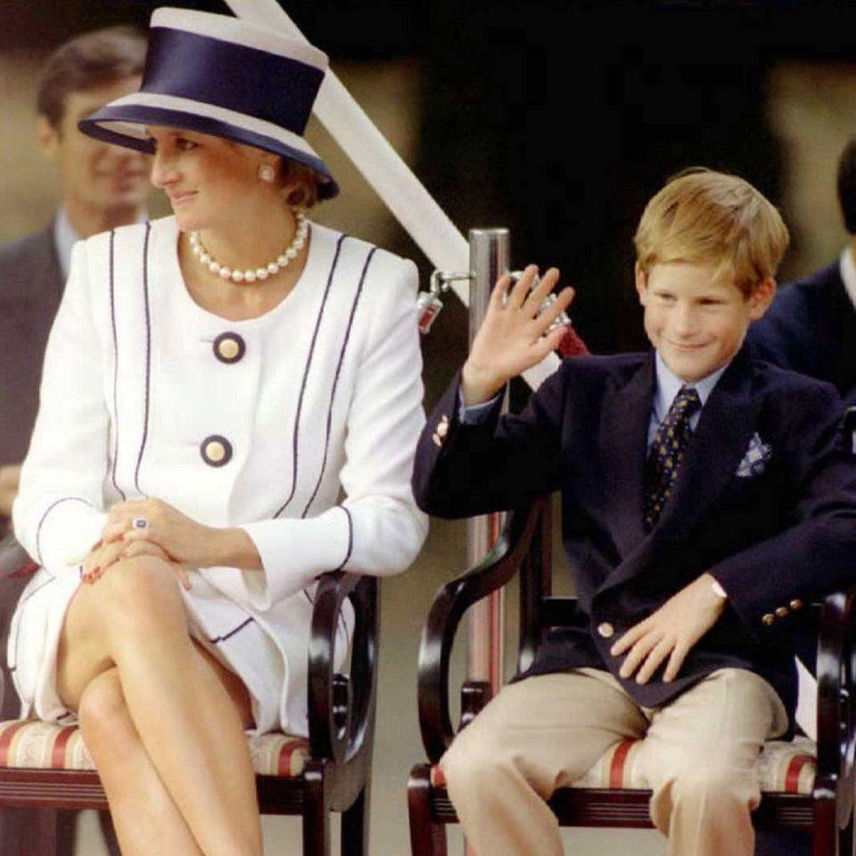 Prinzessin Diana (†) und Prinz Harry
