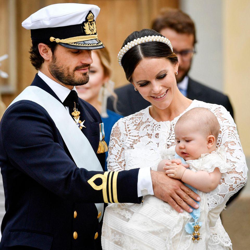 Am 19. April 2016 wird das erste Kind des Paares geboren: Prinz Alexander.