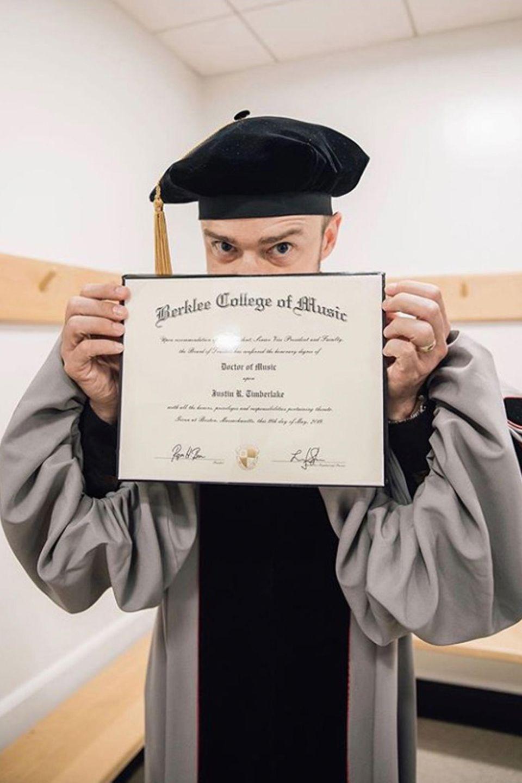 12. Mai 2019  Herzlichen Glückwunsch, Doktor Timberlake! Das Berklee College of Music hat Justin die Ehrendoktorwürde verliehen, und seine Freude darüber teilt er natürlich sofort mit seinen Fans auf Instagram.