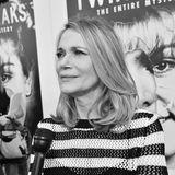 """11. Mai 2019: Peggy Lipton (72 Jahre)  Nicht nur ihre Tochter, Schauspielerin Rashida Jones trauert, auch die """"Twin Peaks""""-Fangemeinde. In der Kultserie spielte sie Norma Jennings, die Besitzerin des Diners. Peggy Lipton erlag nun im Beisein ihrer Töchter und Nichten ihrem Krebsleiden."""