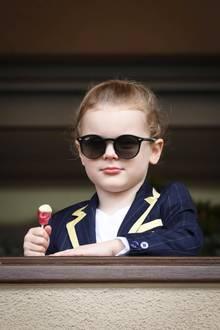 Too cool for school: Besonders Prinzessin Gabriellas Outfit wirkt durch die Sonnenbrille besonders lässig und vor allem besonders niedlich.