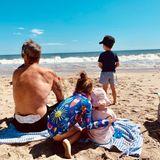 11. Mai 2019  Ein Samstag am Meer! Ayda Field und Robbie Williams verbringen das Wochenende ganz entspannt mit ihren süßen Kindern Theodora, Colette undCharlton am Strand.