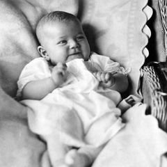 Am 3. April 1922 kommt Doris Day als Doris Mary Ann Kappelhoff in Cincinnati, Ohiozur Welt. Sie ist das dritte Kind des Musiklehrers William Kappelhoff und dessen Frau Alma Sophia Welz. Sowohl Vater als auch Mutter wurdenals Kinder deutscher Einwanderer in den USA geboren.