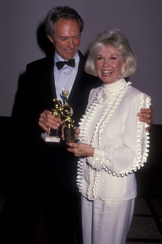 1989 zeigt sich Doris Day mit ihrem Schauspielkollegen Clint Eastwood bei der Verleihung der Golden Globes.