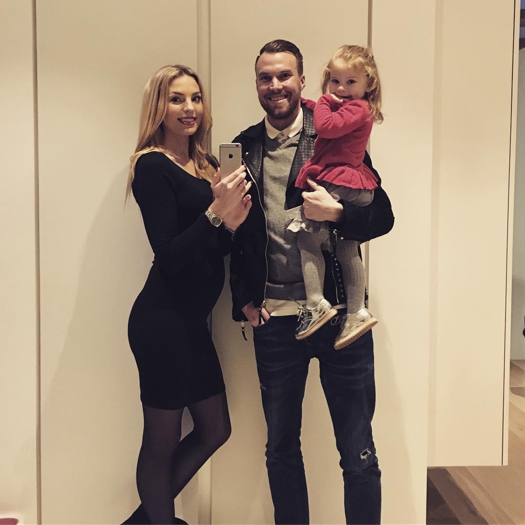 Caro und Kevin Großkreutz mit Leonie
