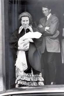 Am 15. Mai 1981 erblickt die Tochter von Prinzessin Anne und deren erstem Ehemann Mark Phillips das Licht der Welt.