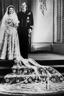 Die damalige Prinzessin Elizabeth heiratet am20.November 1947 den Herzog vonEdinburgh