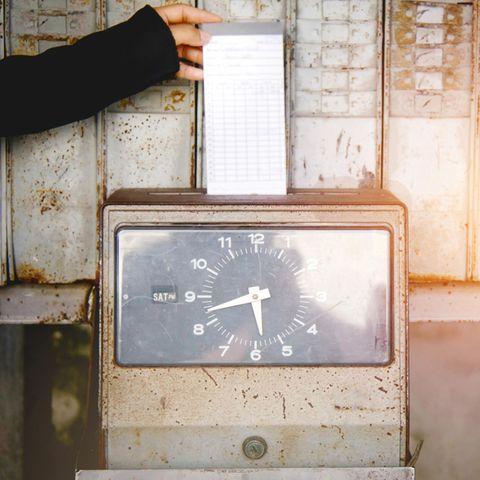 Stechuhr zur Arbeitszeiterfassung