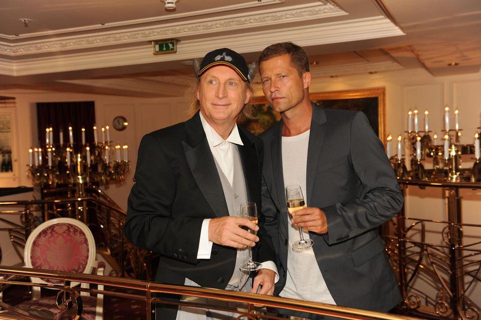 """Auch Otto Walkes und Til Schweiger lassen es sich nicht nehmen, bei der Jubiläumsfolge des """"Traumschiffes"""" mitzuwirken."""