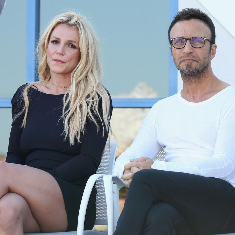 Britney Spears, Larry Rudolph