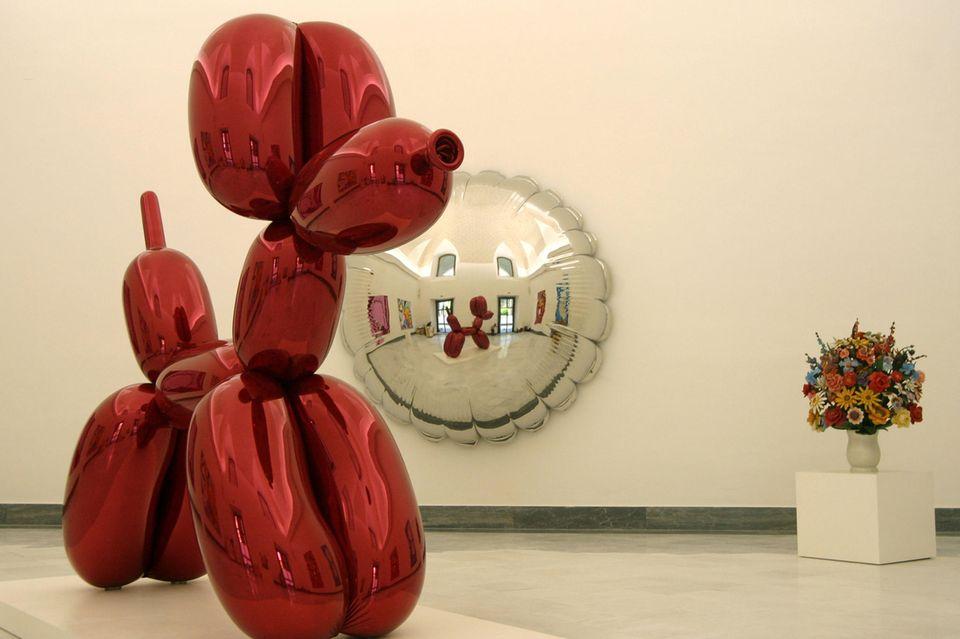 """Fünf Jahre lang hielt die Skulptur """"Ballon Dog"""" den Rekord des teuersten Kunstwerk eines lebenden Künstlers."""