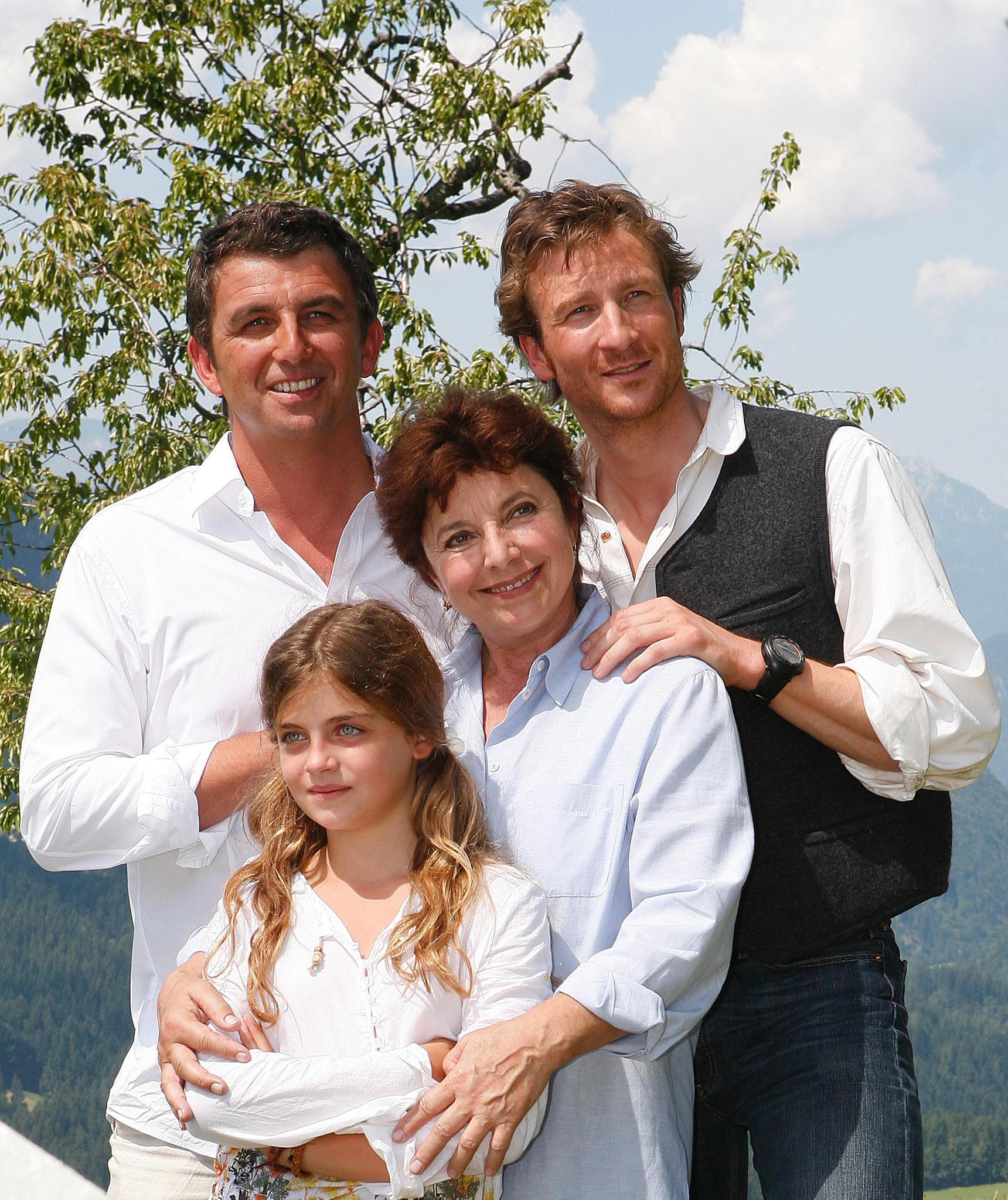"""""""Der Bergdoktor""""-Cast von Staffel 1: Hans Sigl, Ronja Forcher, Monika Baumgartner und Heiko Ruprecht"""