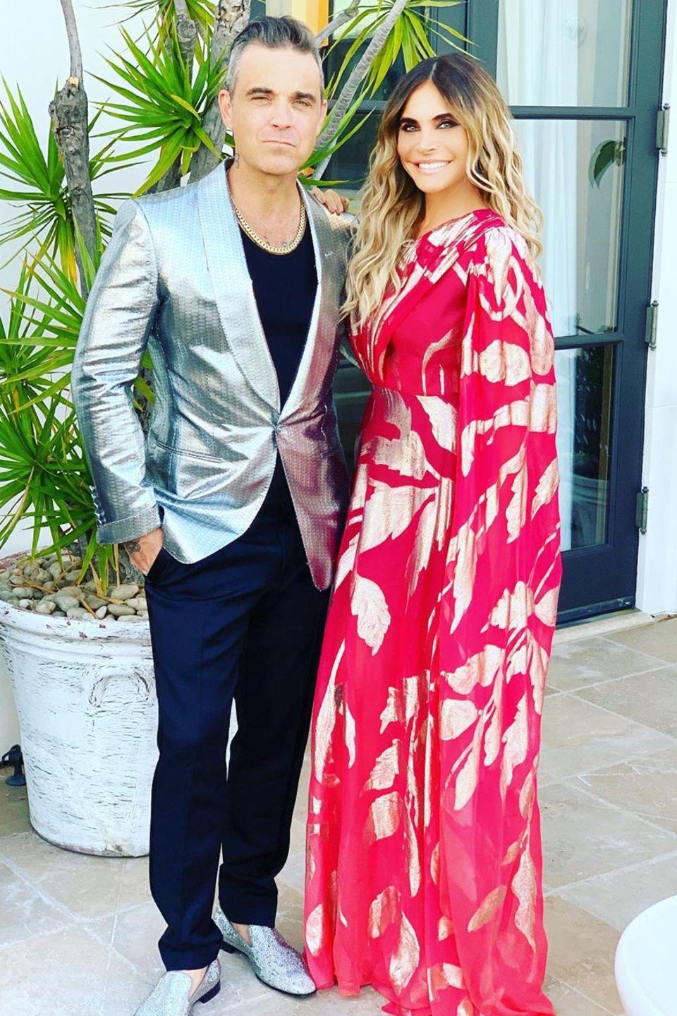 """18. Mai 2019  Ihren 40. Geburtstag hat Ayda Field mit Freunden und ihrem Mann Robbie Williams gefeiert. Auf Instagram bedankt sie sich bei ihm mitden Worten: """"In Liebe und Dankbarkeit für meinen Traummann. Ich freu mich so auf die nächsten 40 Jahre und darüber hinaus. Du rockst meine verdammte Welt""""."""