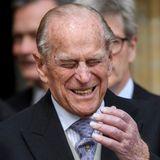 Besonders Prinz Philip amüsiert sich köstlich.