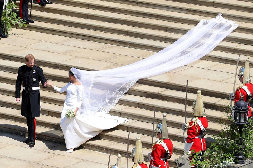 Meghans Brautkleid von Givenchy zog alle Blicke auf sich.