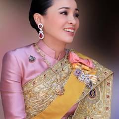 Königin Suthida: Eine Frau mit vielen Talenten