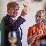 20. Mai 2019  Prost!König Willem-Alexander und Manuela Schwesig lassen es sichbeim Mittagessen in der Orangerie in Schweriner Schloss schmecken.