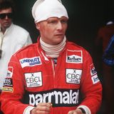 Niki Lauda (hier 1982)muss zahlreiche Operationen und Transplantationen über sich ergehen lassen.