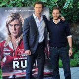 In dem Streifen, in dem Chris Hemsworth und Daniel Brühl in den Hauptrollen zu sehen sind, geht es um den Konkurrenzkampf zwischen den Rennfahrern Niki Lauda und James Hunt.