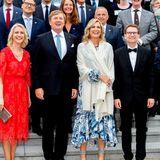 20. Mai 2019  Bitte lächeln: Gruppenfoto vor dem Wirtschaftsdinner im Kurhaus Warnemünde.