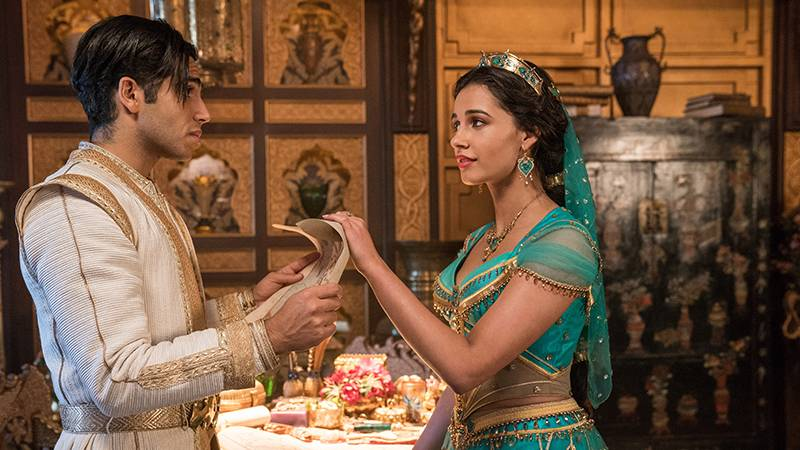 Aladdin (Mena Massoud) und PrinzessinJasmin (Naomi Scott)