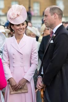 """Catherine trägt die """"Collingwood Pearl""""-Ohrringe, die einst Prinzessin Diana gehörten."""