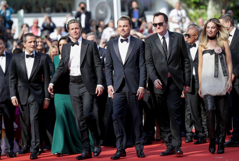 """Quentin Tarantino schreitet mit seinem """"Once Upon A Time In Hollywood""""-Cast über den Roten Teppich in Cannes."""