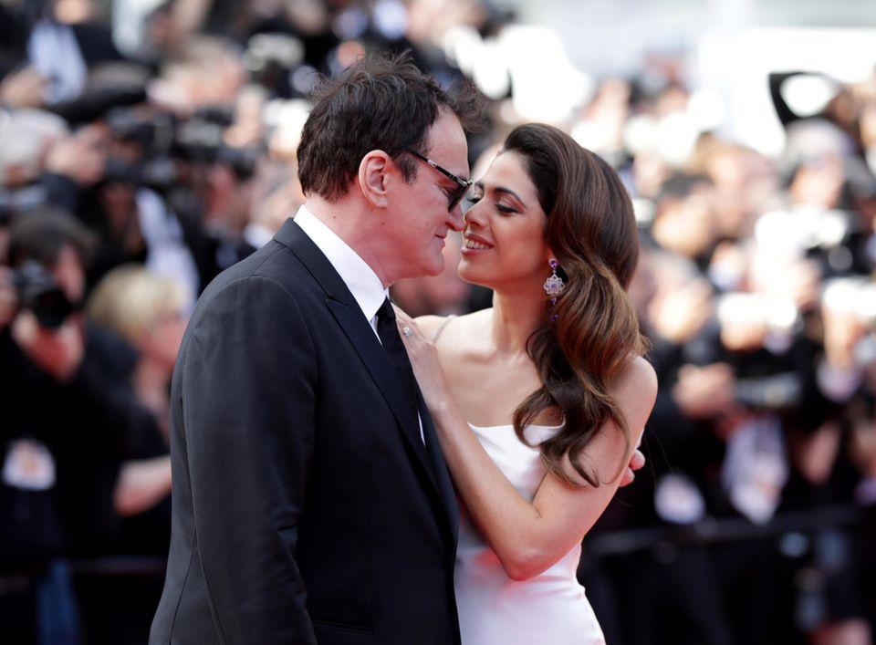 Quentin Tarantino und Ehefrau Daniella Pick können kaum die Finger voneinander lassen.