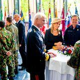 21. Mai 2019  Das niederländische Königspaar unterhält sich angeregt mit den Soldaten der Bundeswehr.