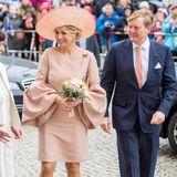 22. Mai 2019  Elegant gekleidet besuchen Königin Máxima und König Willem-Alexander den Wissenschaftsparks Albert Einstein zum Thema Geoforschung und Klimafolgenforschung in Potsdam.