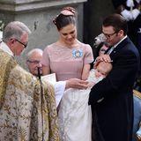 22. Mai 2012  Prinzessin Victoria und Prinz Daniel lassen ihr erstes Kind, Prinzessin Estelle, in der Schlosskapelle von Stockholm taufen.