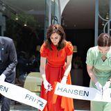 """Eine wichtige Aufgabe: Prinzessin Mary eröffnetden""""Fritz Hansen Showroom""""."""