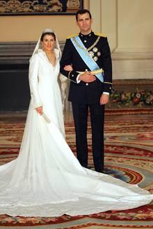 Mittlerweile 15 Jahre ist diese royale Hochzeit schon her: Am 22. Mai 2004 heiratet der damalige Prinz Felipe von Spanien die Journalistin Letizia Órtiz in einer romantischen Zeremonie