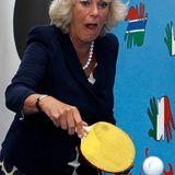 Und seine Frau Herzogin Camilla spielt gleich eine Runde mit.