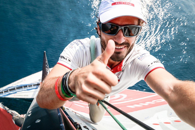 Neben seiner Leidenschaft für den Motorsport klettert Prinz Carl Philip auch gerne mal Segelmasten hinauf.