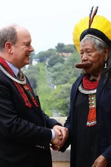 23. Mai 2019  Fürst Alberttrifft Raoni Metuktire, den brasilianischindigenen Häuptling des Kayapo-Volkes, im Königspalast von Monaco. Der Häuptling wurde durchseinen Einsatz für den Erhalt des Amazonas-Regenwaldes und der indigenen Kulturen bekannt.