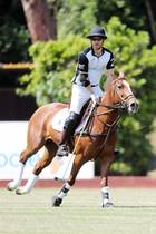 Prinz Harry beweist beim 9.Sentebale ISPS Handa Polo Cup in Rom mal wieder sein reiterisches Können. Mit dem Turnier wird dieCharity-Arbeit für HIV-infizierte Kinder und Jugendliche im südlichen Afrika unterstützt.
