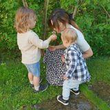 26. Mai 2019  Prinzessin Sofia genießt den Muttertag mit ihren zwei Söhnen, Prinz Alexander und Prinz Gabriel. Diese lassen Blumen sprechen und beweisen ihrer Mama mit selbstgepflückten Geschenken ihre Liebe.