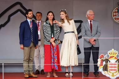 Zwei Schwägerinnen mit Stil im Blut: Tatiana Santo Domingo (in Saloni) und Beatrice Borromeo lassen beim Formel 1-Grand Prix in Monte Carlo selbst König Carl Gustafund Prinz Carl Philipp alt aussehen.