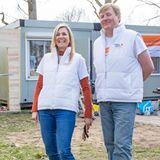 """Königin Máxima und König Willem-Alexander packen beim Freiwilligentag """"NL Doet"""" mit an."""
