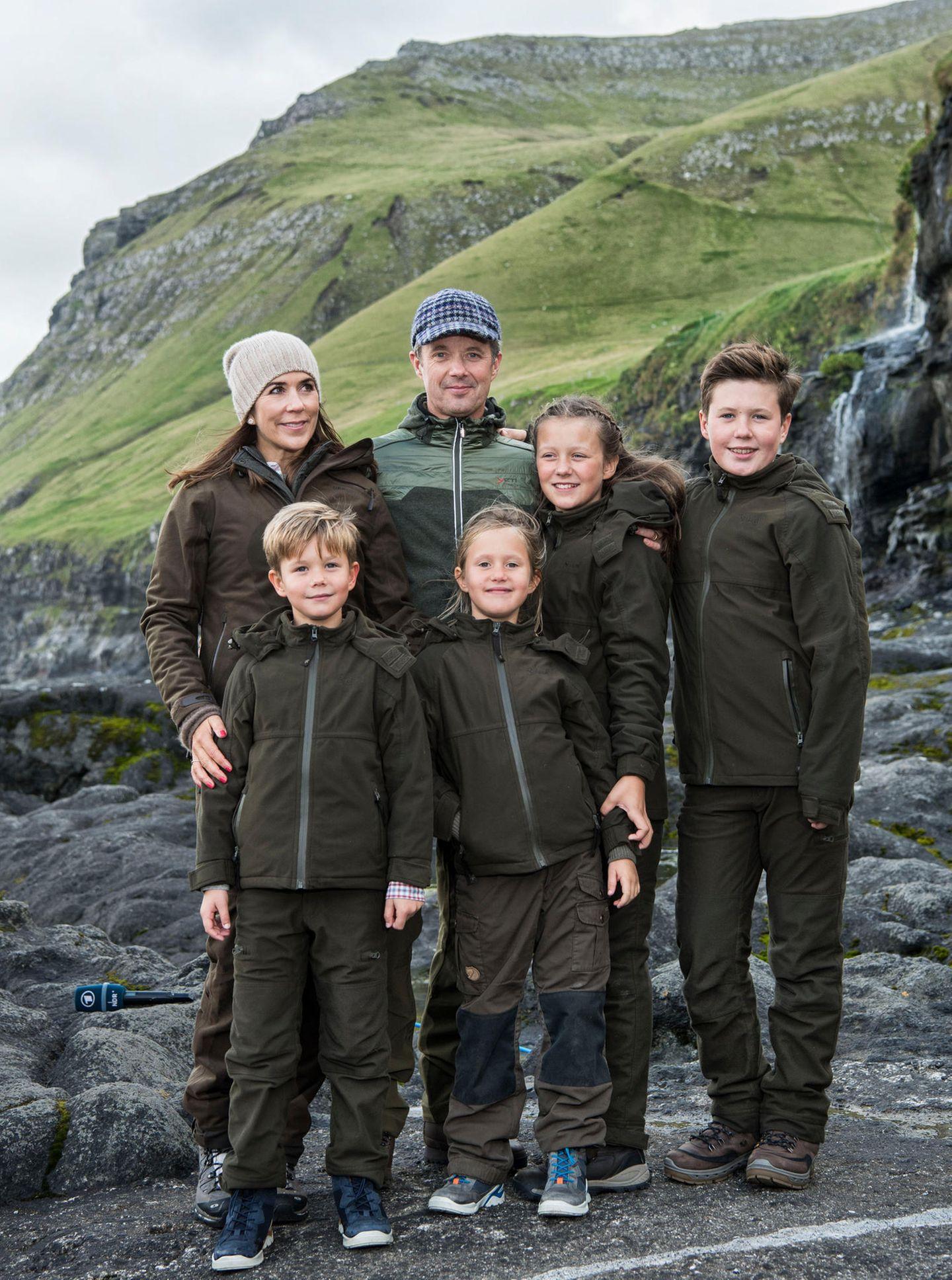 Prinzessin Mary und Prinz Frederik besuchen mit ihrenKindernPrinz Vincent, Prinzessin Josephine, Prinzessin Isabella und Prinz Christiandie Inselgruppe Färöer.