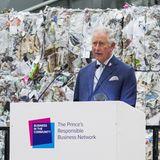 """Beim """"Waste to Wealth""""-Gipfel hält der umweltbewusste Prinz Charles eine Rede."""