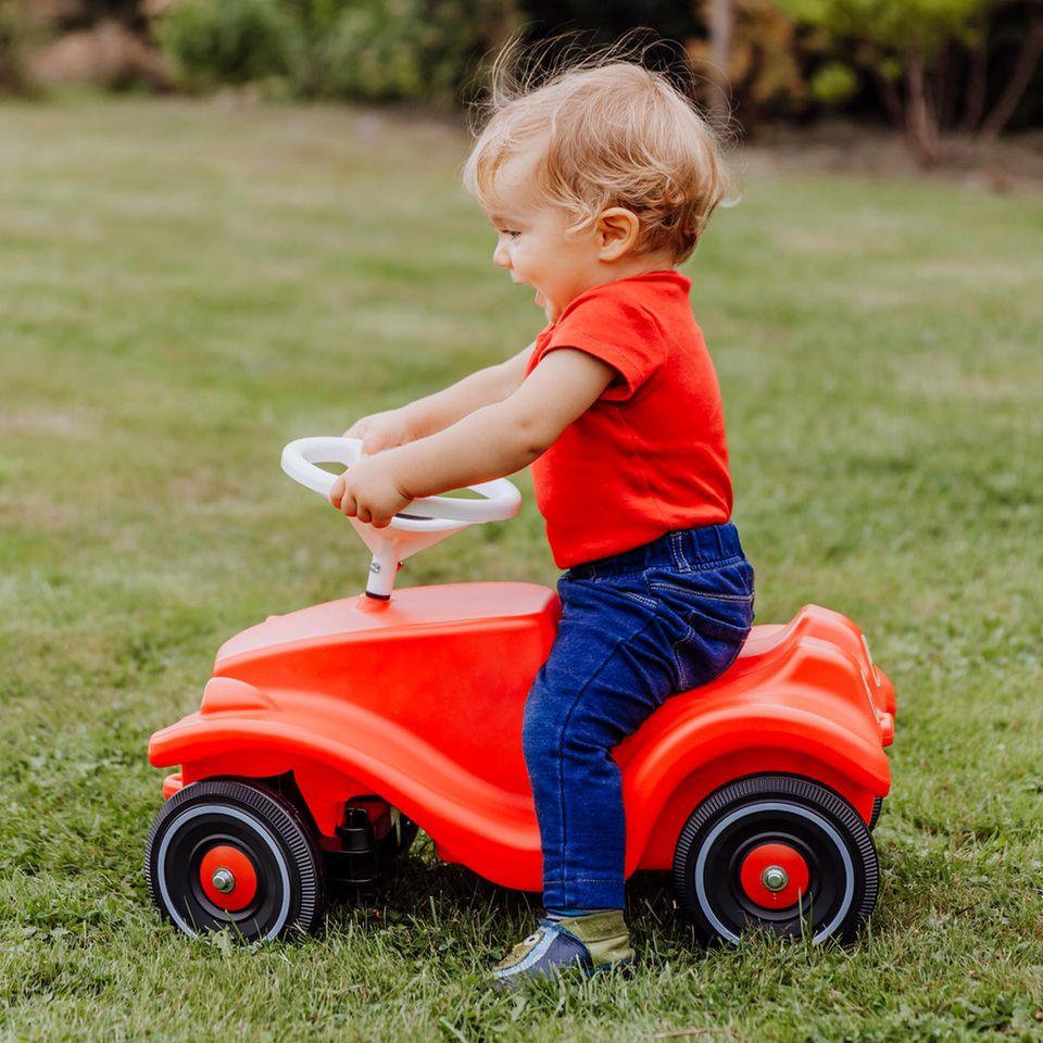 Kinderfahrzeug, Bobby-Car, Kind