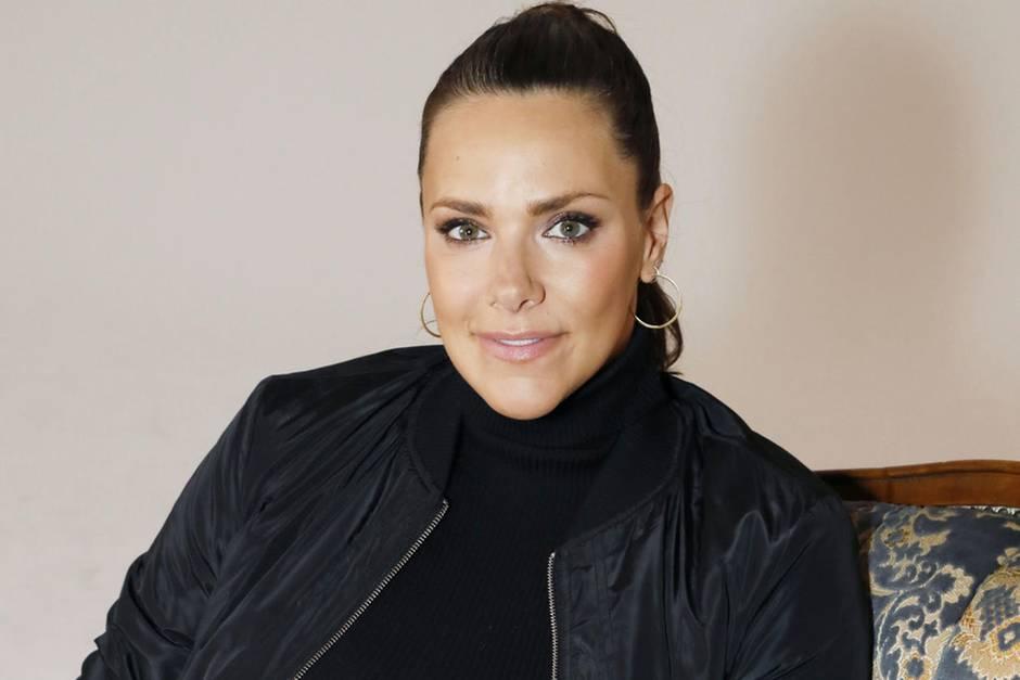 Esther Sedlaczek Die Moderatorin Ist Zum Ersten Mal Mama