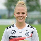 Leonie Maier   Position:Abwehr  Verein: FC Bayern München  Studium: Fitness- and Healthmanagement