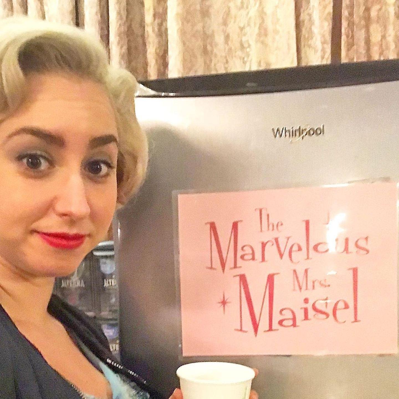 """Jazmin Grace Grimaldi geht unter die Schauspielerinnen:Auf Instagram teilt die Tochter von Fürst Albertein Foto aus dem Backstage-Bereich der Fernsehserie """"The Marvelous Mrs. Maisel""""."""