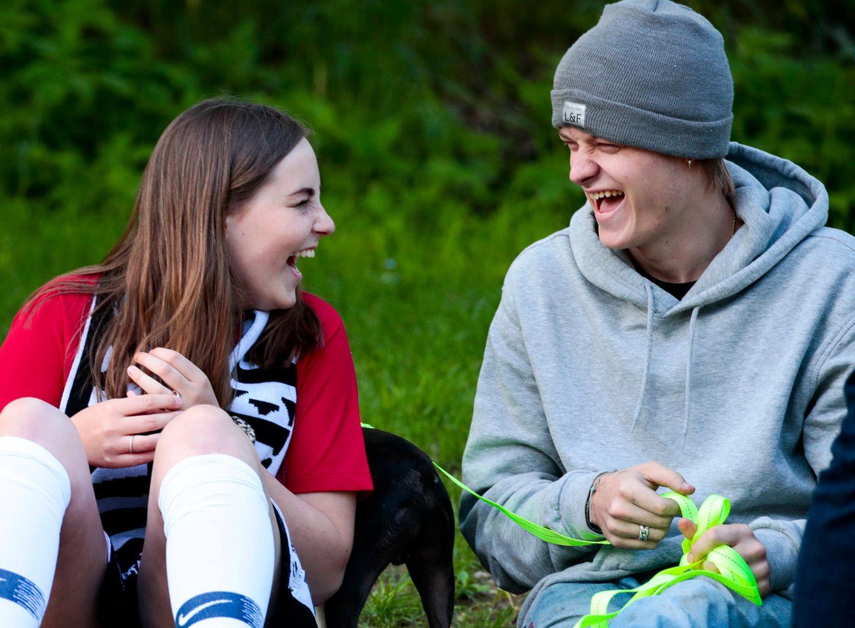 """29. Mai 2019  Marius Borg Höiby hingegen guckt seinen Eltern und Geschwistern lieber zusammen mit seinem Hund namens """"Louie Borg Snekkestad"""" vom Spielfeldrand aus zu. In den Pausen scheint es mit Prinzessin Ingrid Alexander allerdings so einiges zu lachen geben."""